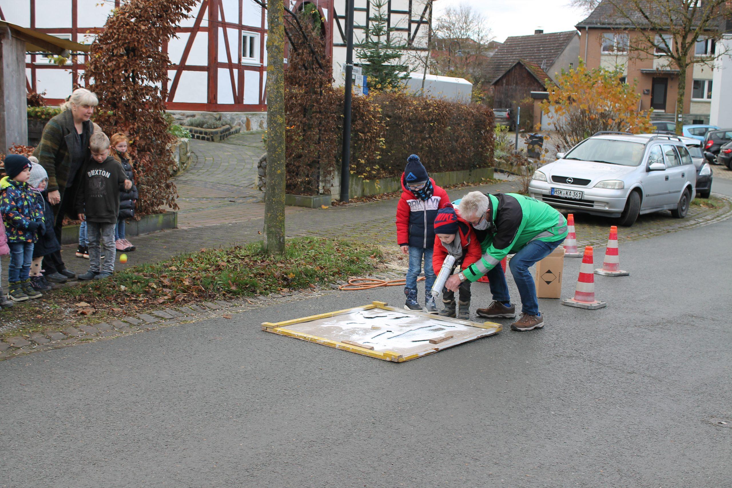VW Brilon, Piktogramm Spielende Kinder